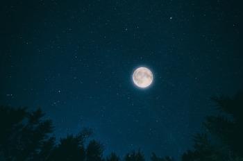night-2938792_640